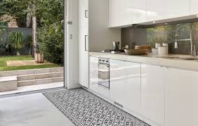 tapis pour cuisine idée déco les tapis en vinyle beija flor concernant tapis de