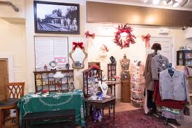 maxines antiques and collectibles