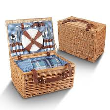 amazon com picnic basket for 4 29 piece kit includes wicker