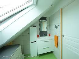 salle de bain dans chambre sous comble creer salle de bain combles chaios com
