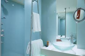 small blue bathroom ideas 25 wonderful bathroom ideas for small spaces slodive