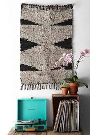nostalgiecat interior trend rugs on walls