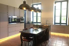 355 square feet chateau to rent with large stunning rooms and beautiful decor