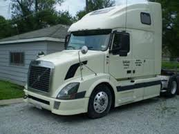 used volvo tractors for sale 2005 volvo vnl670 clean used truck on for sale now