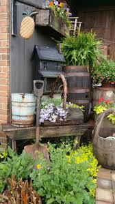 Mini Garden Flags Best 25 Primitive Outdoor Decorating Ideas On Pinterest