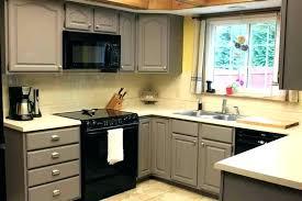 repeindre cuisine en bois repeindre cuisine bois cuisine en repeindre une cuisine en bois