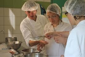 emploi chef de cuisine bordeaux à ploermel un chef cuisinier transmet sa de la