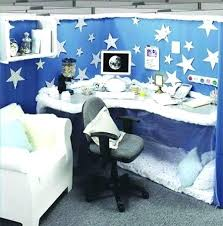 cube decorations best cubicle holiday decorating images on funny