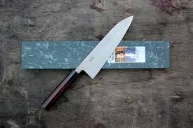 kitchen knives wiki what are the differences betweem a santoku knife and a chef s knife