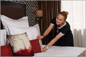 hotel femme de chambre vitrine femme de chambre en suisse accessoires 906750 chambre idées