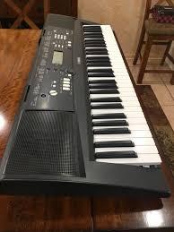 yamaha keyboard lighted keys yamaha ez 220 61 key lighted keyboard musical instruments in