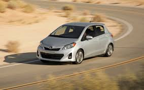 2012 toyota yaris se first test motor trend