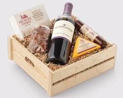 wine and cheese gift baskets 102 best hickory farms images on kitchens cooking
