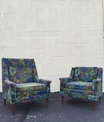 vintage sofas and chairs 98 best vintage furniture images on pinterest salvaged furniture