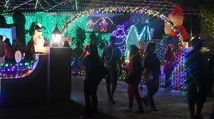 plantation baptist church christmas lights a city tried to shut down this massive christmas display but