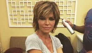 how does lisa rinna cut her hair lisa rinna hair hair pinterest lisa rinna brandi glanville