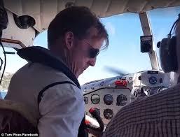 gareth morgan tributes after sydney seaplane crash daily mail online