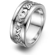 mens claddagh ring sterling silver claddagh wedding ring ums 6345