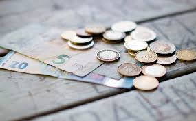 how to tip in different countries popsugar smart living