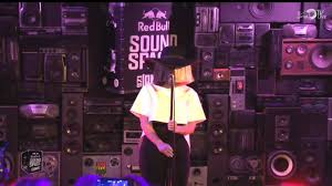 Sia Singing Chandelier Live Sia Chandelier Live In The Bull Sound Space