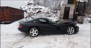 Dodge Viper 2014 - watch this giant claw crush a dodge viper video rides magazine
