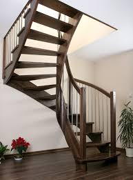 treppen aus holz treppen treppen aus holz moderne treppen raumspaar treppen