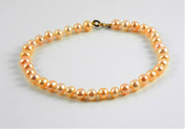 easy pearl bracelet images Natural freshwater pearl bracelet with 10ct gold clasp peach jpg