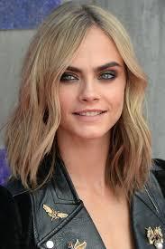 collarbone length wavy hair 40 best medium hairstyles celebrities with shoulder length haircuts