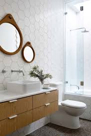 Cool Bathroom Mirror Ideas by Best 20 Mid Century Modern Bathroom Ideas On Pinterest Mid