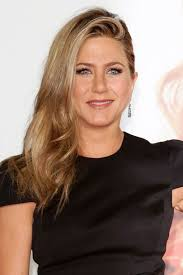 shoulder lengh hair but sides have snapped what hairstyle make it look better jennifer aniston hairstyles celebrity hair the rachel glamour uk
