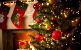 how to hang lights on a christmas tree christmas tree lighting ideas what u0027s the right way to hang
