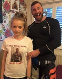 Dad Yelling At Daughter Meme - the picture this dad put on his daughter s t shirt to warn boys to