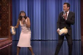jimmy fallon rashida jones sing thanksgiving parodies