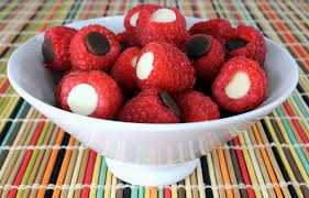 raspberry recipes 25 raspberry recipes that your family will rave about