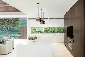 cuisine contemporaine design cuisine design luxe ilot de cuisine au design en himacs meuble de