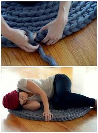 how to crochet your own giant pillow circle rug u2013 iseeidoimake