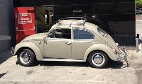 punch buggy car with eyelashes 60 u0027s vw beetle with a roof rack cars pinterest roof rack vw
