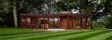 kusama dots philip johnson u0027s glass house in a red polka pattern