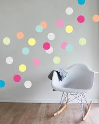 kinderzimmer wandsticker schöne dekoideen kinderzimmer wandsticker fargige punkte