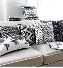 taie d oreiller pour canapé pas cher noir et blanc coussin covers géométriques triangles bande
