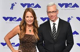 Drew And Mike August 7 2017 Drew And Mike Podcast - dr drew pinsky and wife susan were smokin hot on the vmas 2017 red