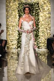 Reem Acra Wedding Gowns From The 2015 Bridal Runways New York