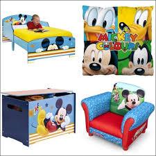 deco mickey chambre deco chambre mickey visuel 7