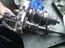 can removing the gearbox from opel astra g 2002 model cause damage