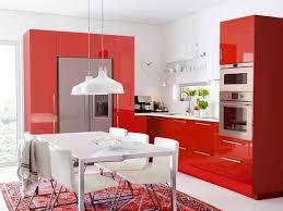 cuisine framboise déco peinture couleur framboise cuisine 83 30142125