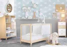 deco chambre bebe scandinave 25 idées patere enfant amusante et déco clemaroundthecorner