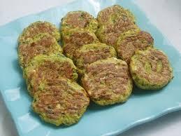 cuisiner la courgette recette de bouchées courgette et feta la recette facile