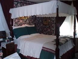 Victorian Canopy Bed Living Room Window Picture Of Classic Victorian Estate Inn