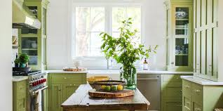 how to paint stained kitchen cabinets white do not make this mistake when painting your kitchen cabinets