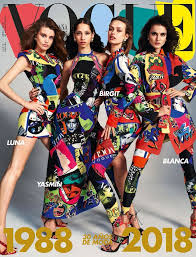 christian couture si鑒e social 2645 best v o g u e images on vogue covers fashion